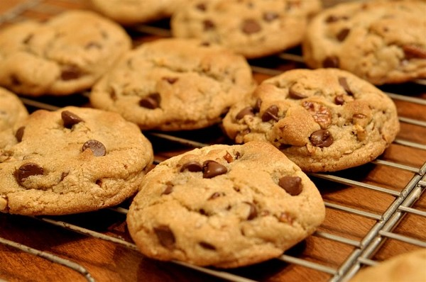 GG's Keto Soft and Chewy Chocolate Chip Cookies